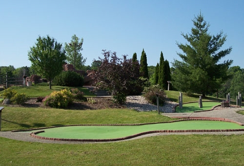 Mini golf logger 39 s park for Terrace 167 richfield wi